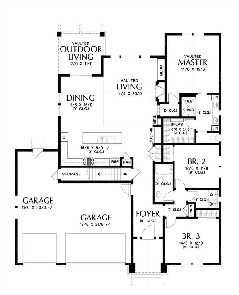 Main Floor Plan image of Featured House Plan: BHG - 4809