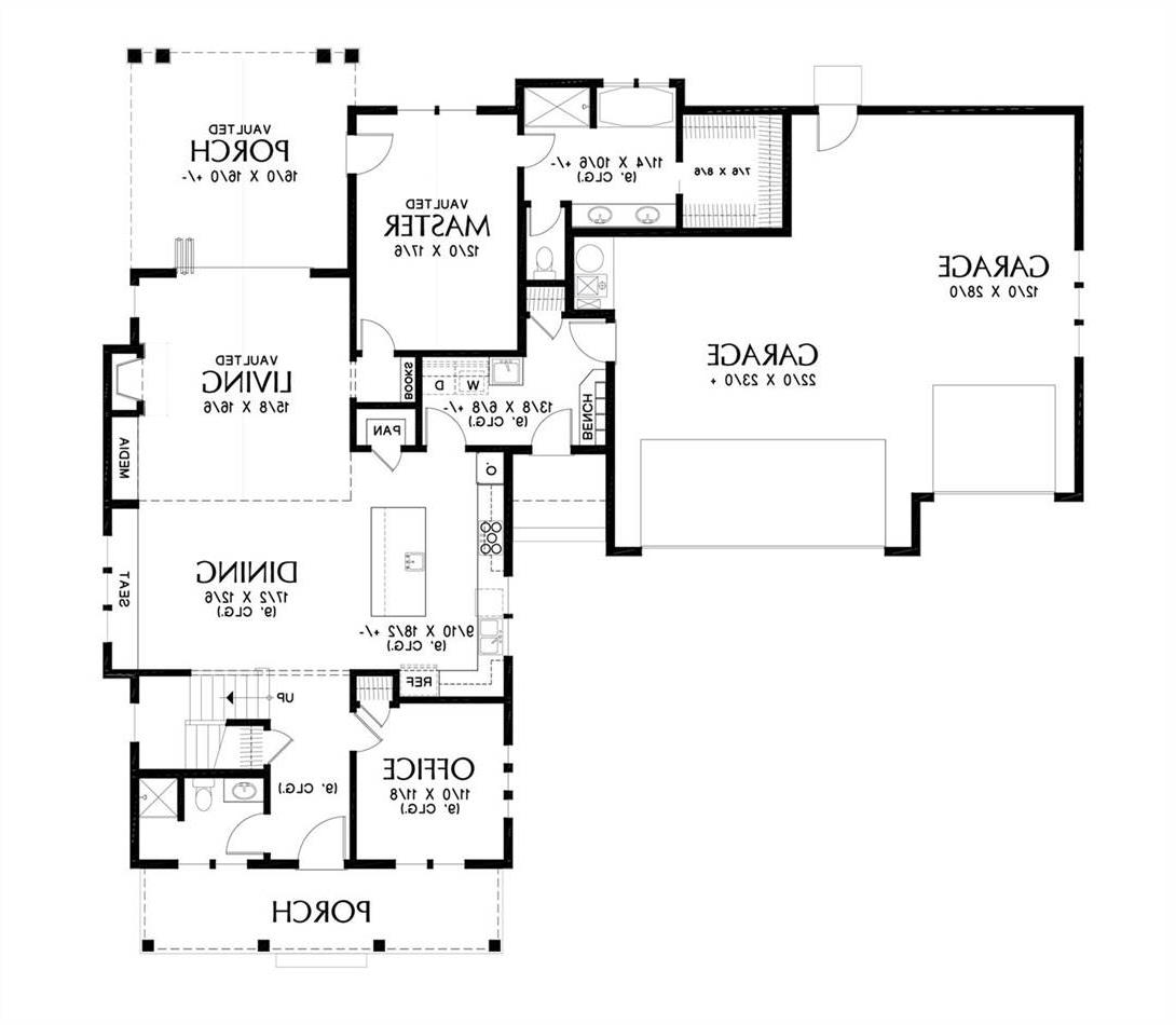 Main Floor Plan image of Featured House Plan: BHG - 4755
