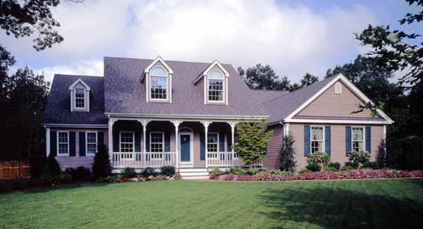 Front Photo image of Featured House Plan: BHG - 2799