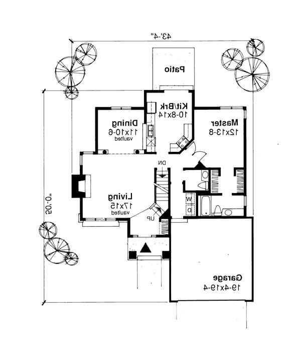 Main Floor Plan image of Featured House Plan: BHG - 6181